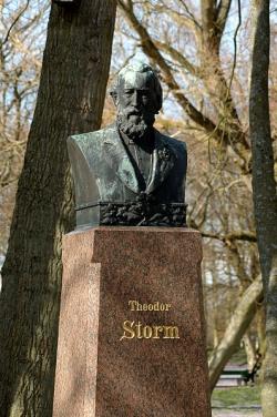 Storm-Büste im Husumer Schlosspark